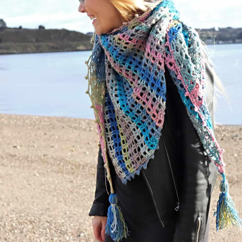 easy triangle crochet shawl pattern